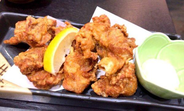 鰻・活魚 うお寅 の鶏の唐揚げ