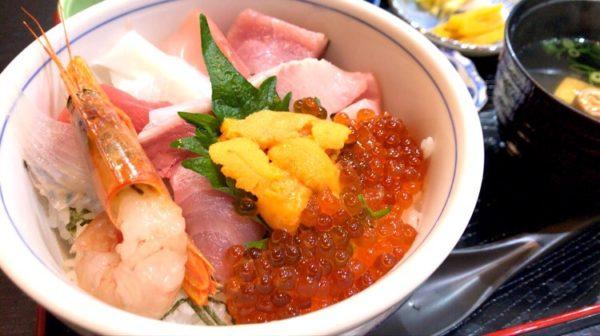 うお寅さんの特上海鮮丼