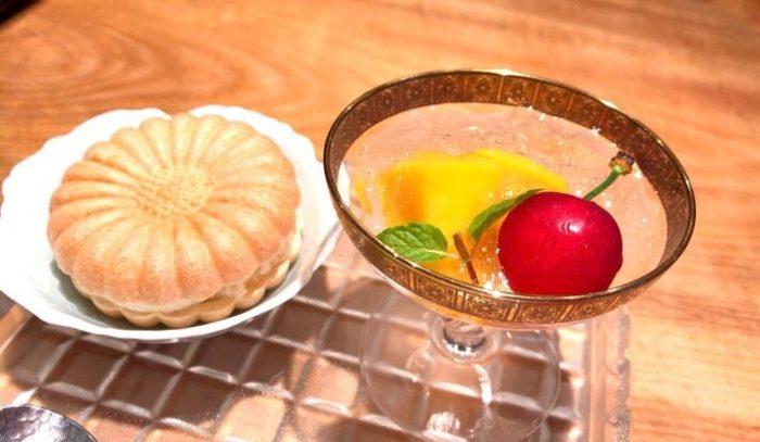 おおたにランチ:二種フルーツのジンジャーエールゼリー・ほうじ茶のアイス最中
