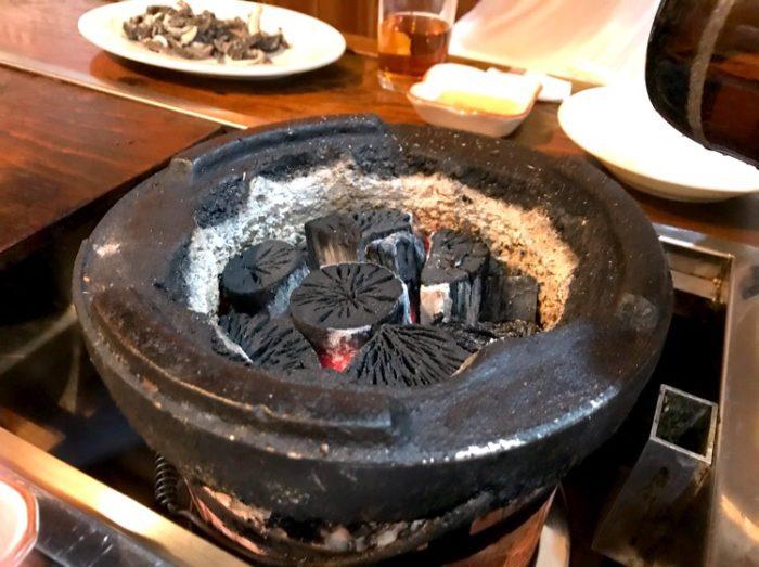 ホルモン炭火焼 昇龍 炭が本格的